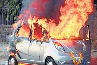 印度塔塔Nano小型车再曝自燃事件高清图片