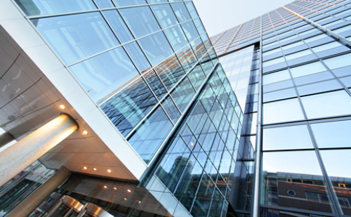 2016年上半年建筑玻璃行业动态简析