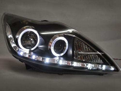汽车改装氙气大灯背后存隐患高清图片