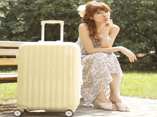 威尼斯:游客使用拉杆箱罚款