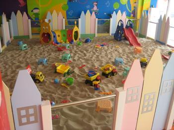 室内儿童乐园藏隐患
