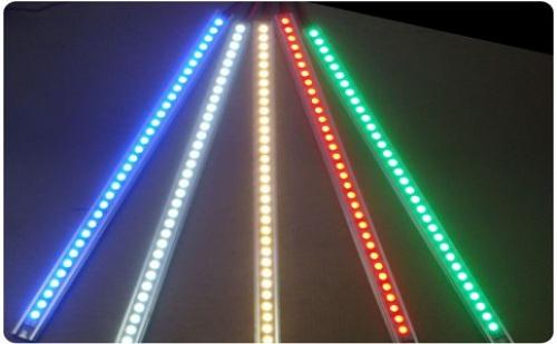 多彩智能变色太阳能灯有哪些特点