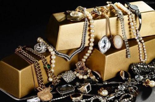 中国奢侈品购买价高国外60%