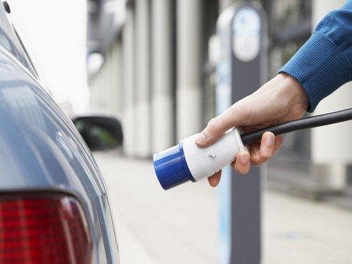 发改委:电动汽车2020年前免收基本电费
