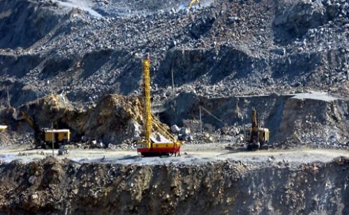 2016年上半年中国矿产能源行业运行情况及简析