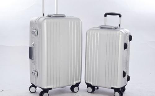 如何挑选耐用方便的旅行箱?