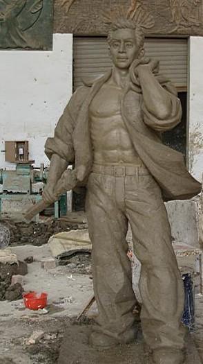 与中国传统的雕塑工艺有机结合图片