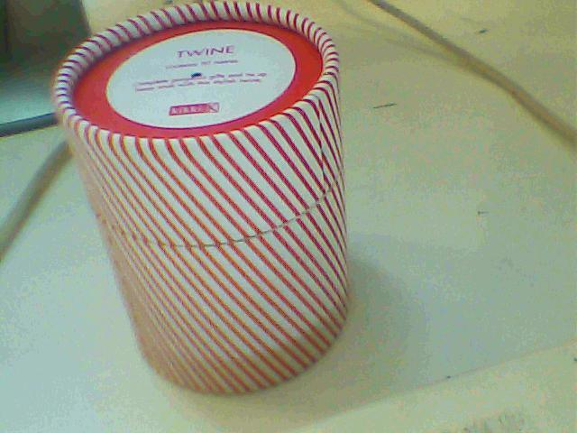 睫毛膏纸罐
