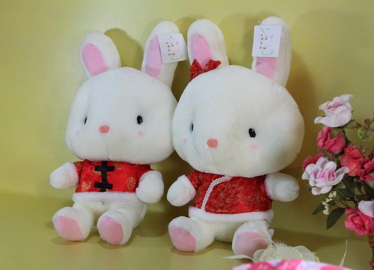 毛绒玩具兔子