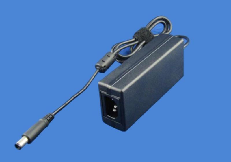12.6v5a锂电池充电器图片