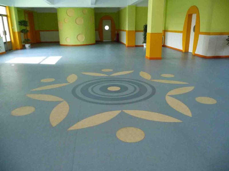 采购山东PVC运动地板 山东乒乓球塑胶地板 山东羽毛球场地地板