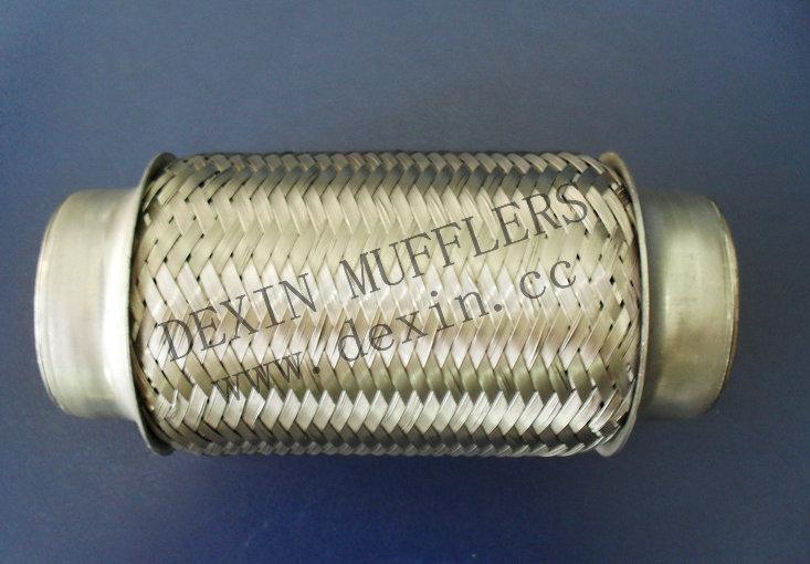 产品详情        本厂生产的波纹管,安装于发动机排气岐管和消声器图片