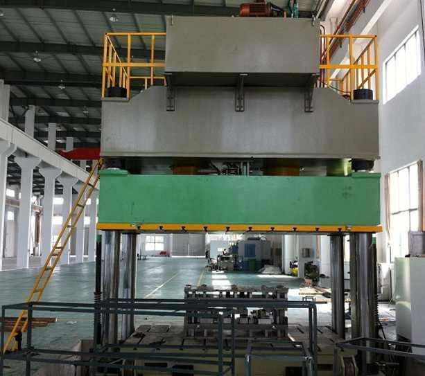 产品参数 机械分类: 多工位压力机图片