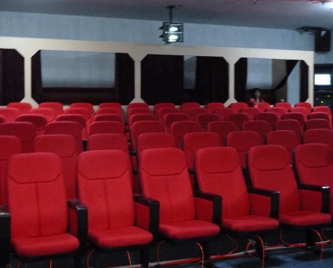 4d电影院设施