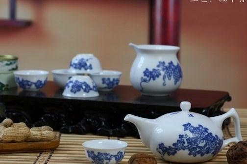 景德镇青花瓷手绘茶具套装图片