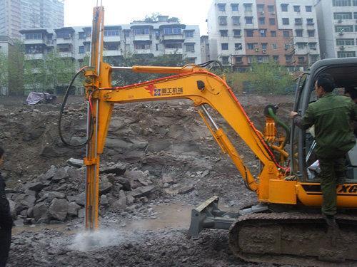 """1000 """"小型冲击钻机""""详细介绍        液压挖掘机改装小型冲击钻机图片"""