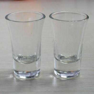 玻璃小酒杯图片