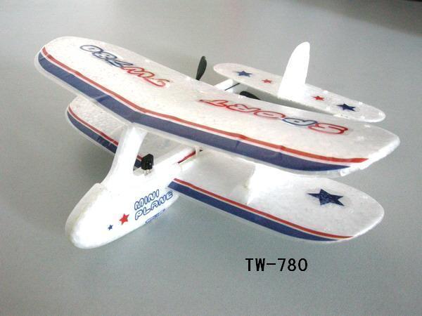 电池手工制作小飞机。