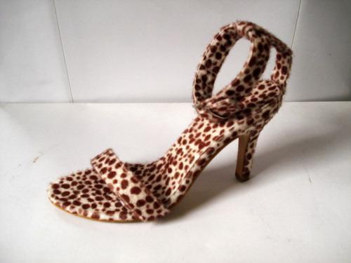 女时装凉鞋