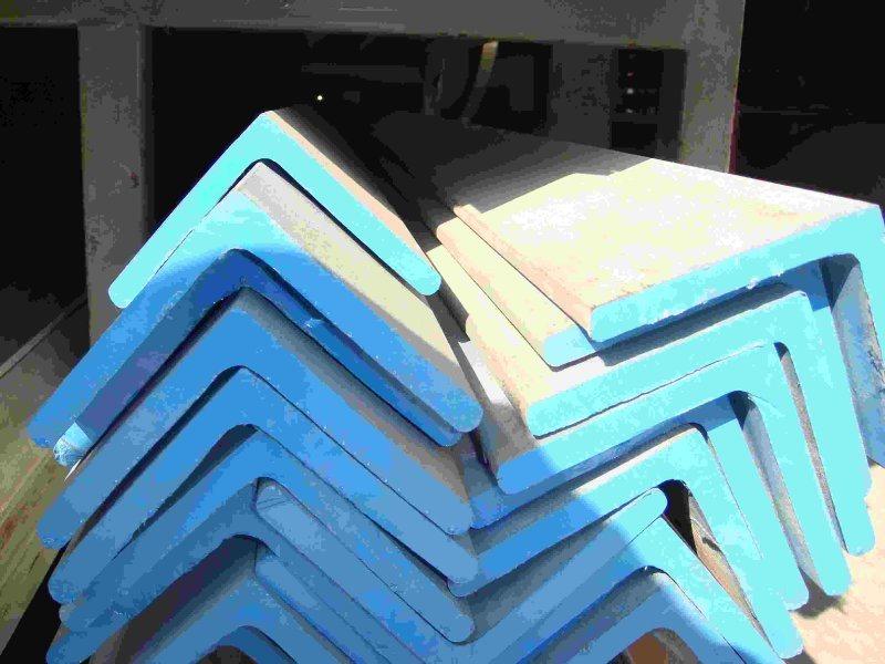 主要生产经营:不锈钢、工字钢、H型钢、角钢、槽钢、镀锌角钢、镀锌槽钢、扁钢、不锈钢角钢、槽钢、螺旋管、合金管、锅炉管、无缝钢管、镀锌管、螺旋钢管等产品。   联系人:王经理Q235角钢。经营型材和板材产品有:H型钢,槽钢,扁钢,工字钢,方钢,角钢,钢轨,冷弯型钢及其他型材。板材有:普板,不锈钢板、镀锌板、花纹板、锰板,合金板、等先后成为莱钢,津西,日照,邯钢,宣钢,兆博等钢厂的合作伙伴。并与包钢,东四,宝德,济钢,安钢,通钢等钢厂保持着长期,良好,稳定的合作关系,从而保证了我公司充足的货源,齐全的品种