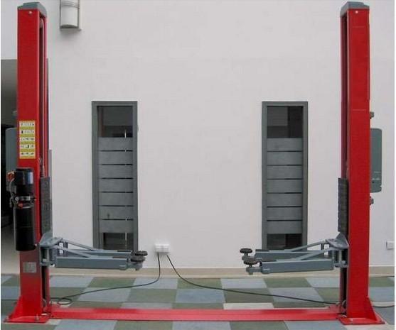 鲁星汽车双柱液压双缸举升机图片