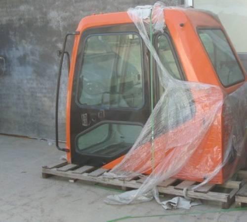 斗山225-7挖掘机驾驶室图片