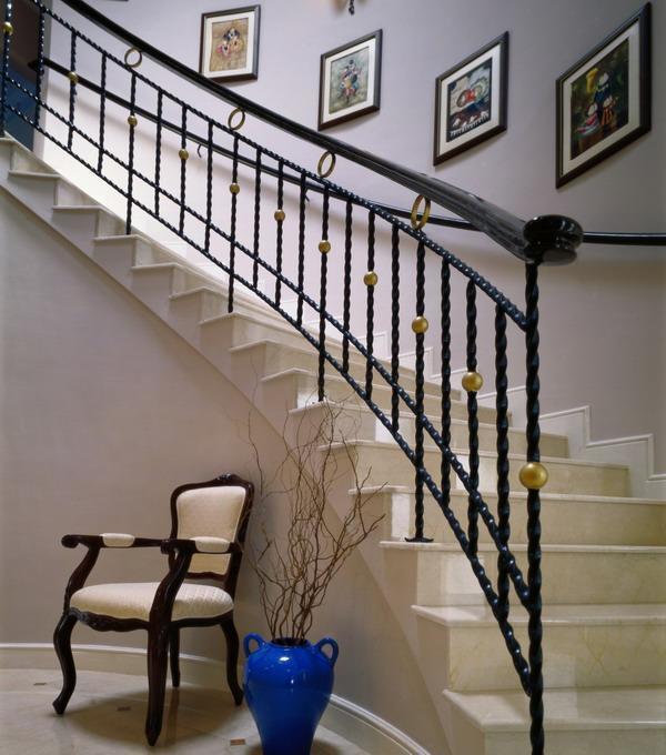 欧式铁艺楼梯扶手图片