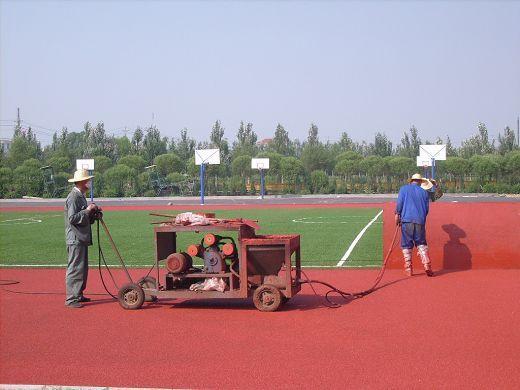 400米塑胶跑道施工