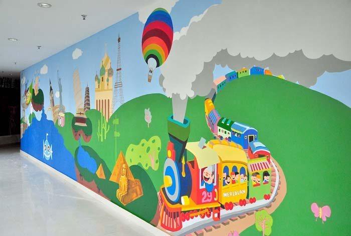 幼儿园蓝天白云儿童乐园彩绘