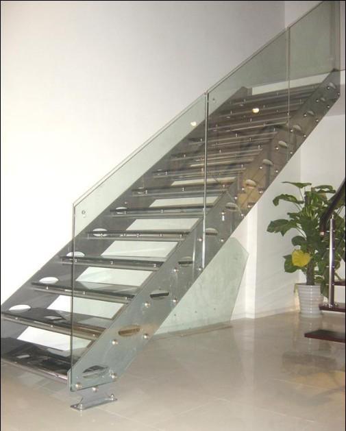 首层顶层楼梯画法_板式楼梯