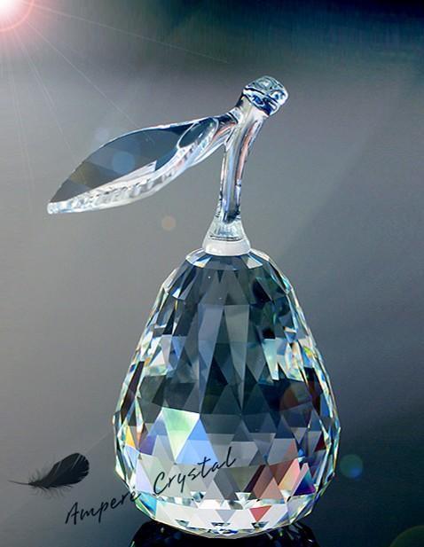 公司主要生产水晶动物,水晶奖牌奖杯,水晶钥匙扣,水晶深雕