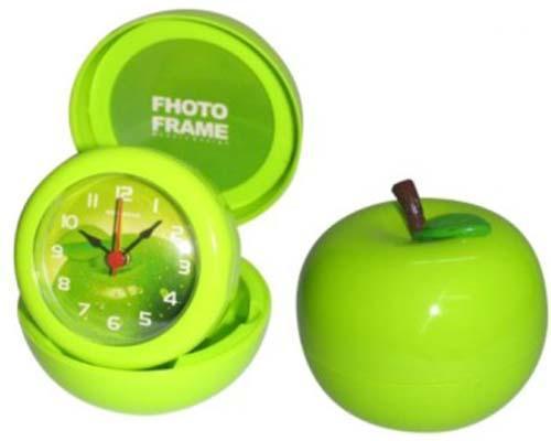 ...苹果手机怎么设置闹钟铃声 :在手机桌面上找到时钟进去之后在...