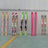 初级板滑雪初学者使用的滑雪板曼琳滑雪板生产厂家