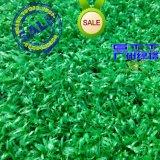 浅绿色人造草屋顶休闲草