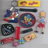 注塑拉头拉攀,魔术贴袖袢,绳子拉头,PVC滴塑标,硅胶标,高品质电压丝印标,激光标