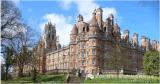 英國韋爾斯國際拍賣行合作華威成立藝術品研究院