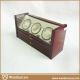 高光的木质手表展示台