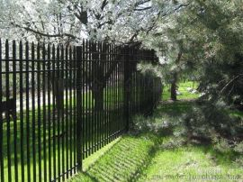 小区阳台专业锌钢护栏
