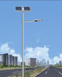 云南昆明崇明县5米20瓦led太阳能路灯