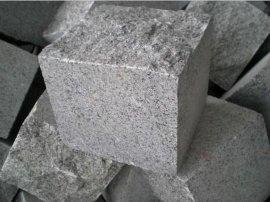 福建G654芝麻黑弹石马蹄石小方块石