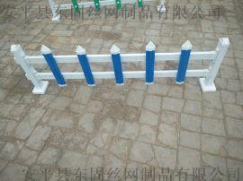 東固絲網公司  廠家直銷現貨草坪護欄