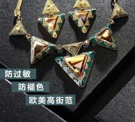 项链耳环戒子手镯胸针等首饰品