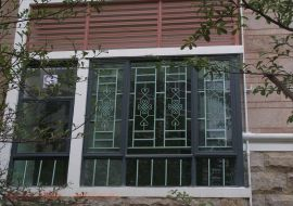 韶關東方門窗裝飾  鋁合金無焊接成手工窗花防盜防蚊鋁藝窗花兒童防護窗隱形防盜網 花式多樣