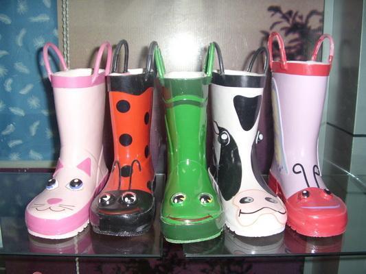 橡胶雨鞋销售信息,橡胶雨鞋求购信息