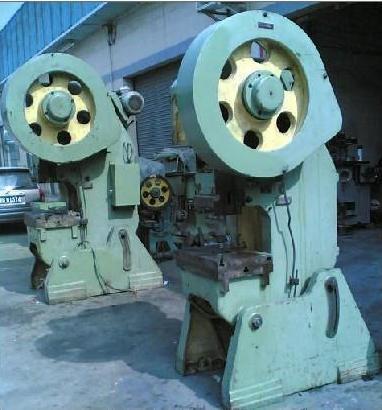 二手机械化工设备回收图片
