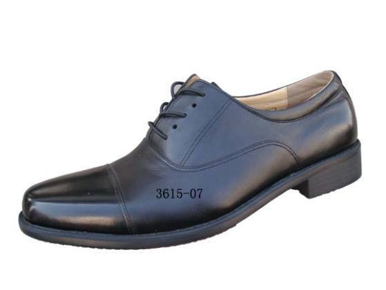 07a三接头校尉皮鞋