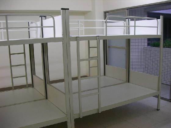高档大学生公寓床图片