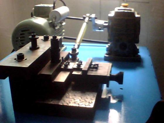 东源精密金属制品厂是专业从事自动车床加工,五金,电子,钟表,首饰
