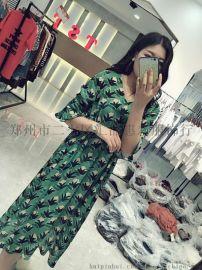夏新款修身百搭氣質花色V領連衣裙
