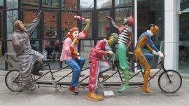 湖北雕塑 玻璃钢仿制雕塑 景观人物雕塑